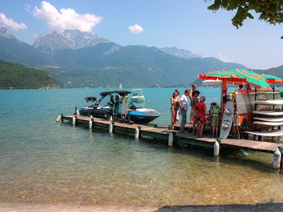 ponton wakeboard annecy